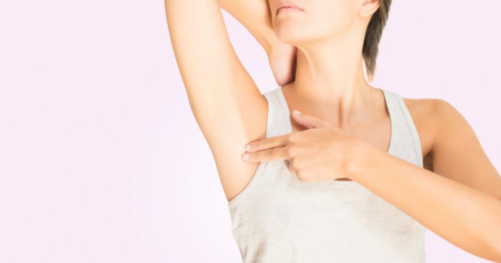 دلایل بروز توده زیر بغل در زنان