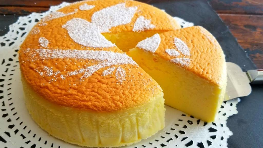 طرز تهیه کیک اسفنجی ساده و خوشمزه خانگی با پف زیاد بدون شیر