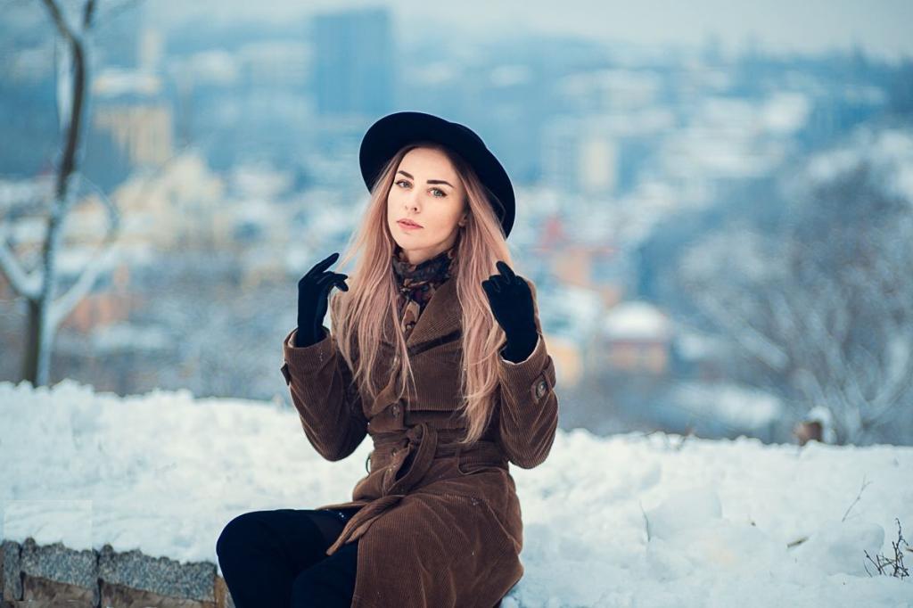 ژست عکس زمستانی دخترانه ساده