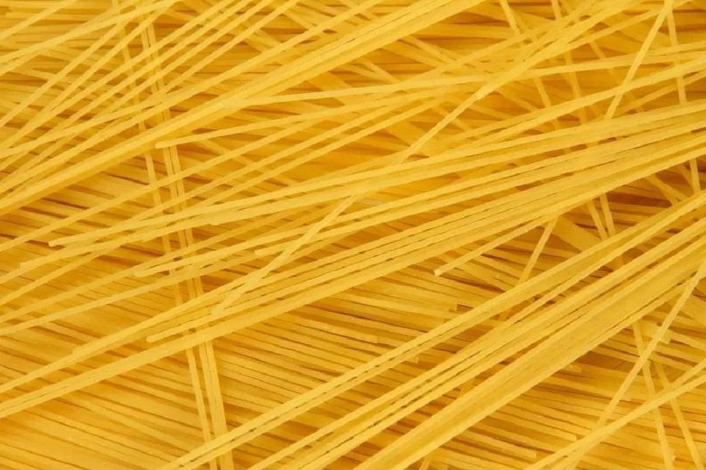 نوع مختلف پاستا: اسپاگتینی