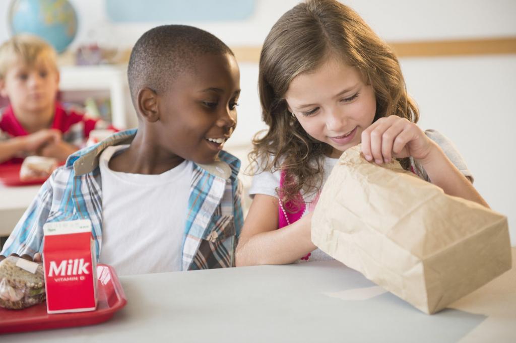 کنترل آلرژی به بادام زمینی در مدرسه