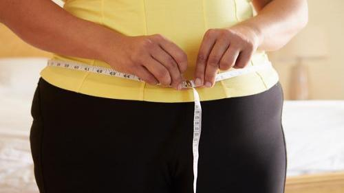10 دلیل که چرا شما در ناحیه شکم دچار افزایش وزن می شوید