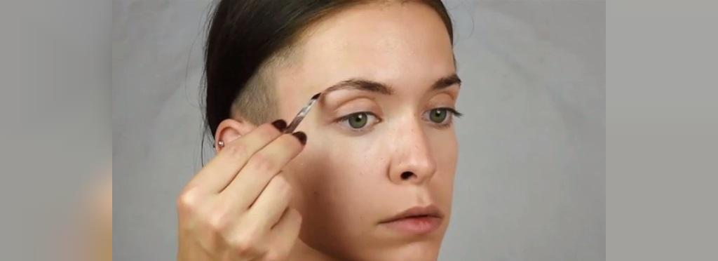 نکات آرایشی برای بزرگ نشان دادن چشمان و لب ها
