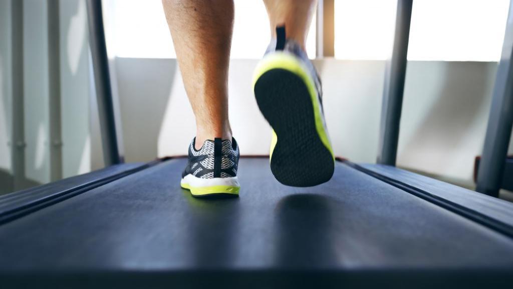 8 کاری که هرگز نباید قبل از ورزش انجام دهید