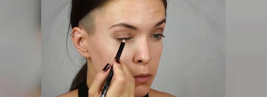 روش داشتن چشمان درشت با آرایش
