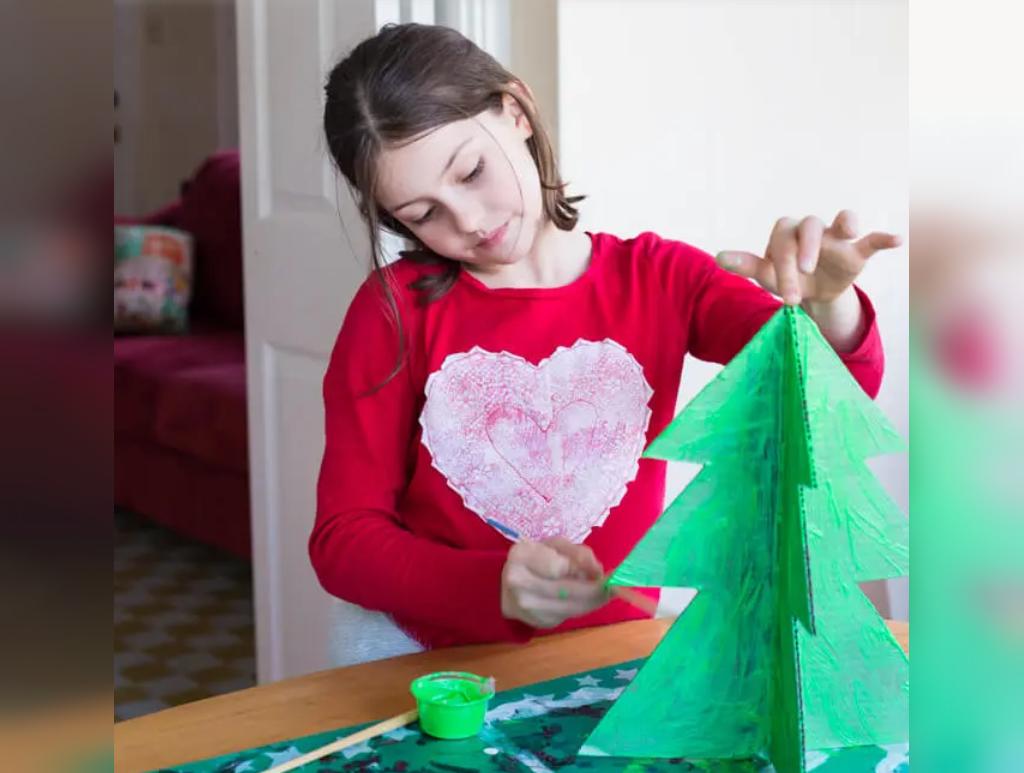 رنگ آمیزی درخت کریسمس برای بچه ها