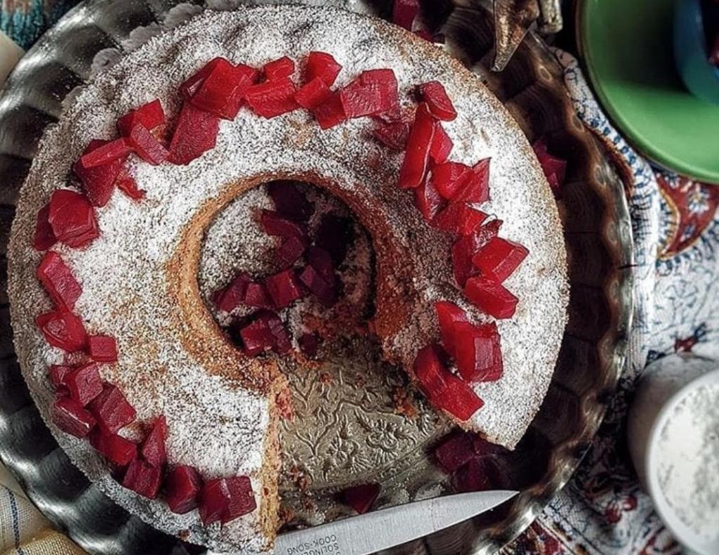 طرز تهیه کیک لبو و گردو خوشمزه و مجلسی در خانه