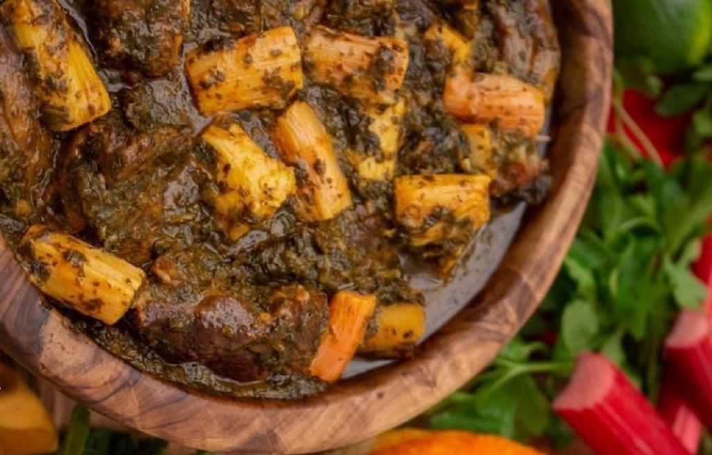 طرز تهیه خورشت ریواس خوشمزه با نعناع و جعفری