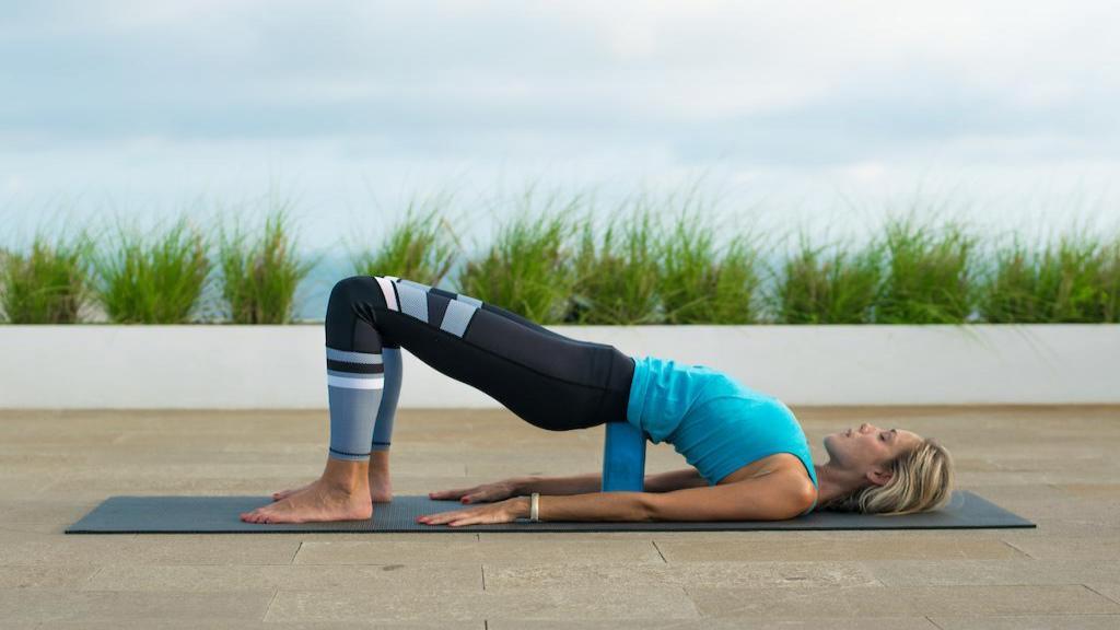 10 تمرین ورزشی برای کمردرد و رفع گودی کمر